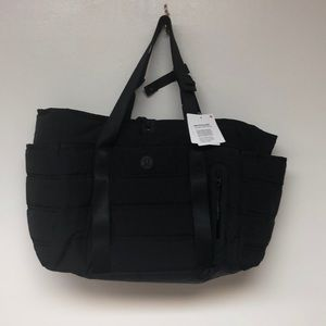 lululemon athletica Bags - ❗️NWT❗️| Lululemon | Dash All Day Duffel.